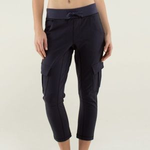 Lululemon Joggers Carry and Go Pant Cargo Pockets
